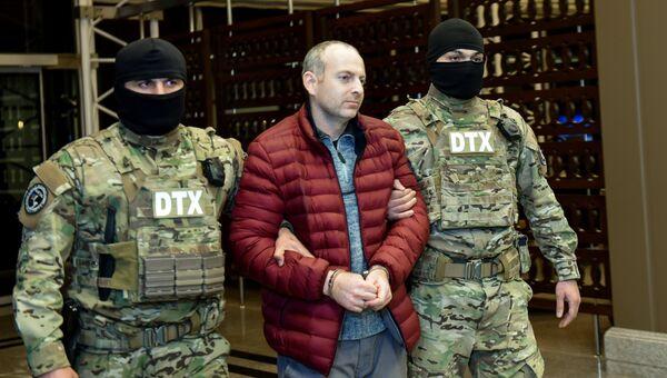 Блогер Александр Лапшин в аэропорту Гейдара Алиева в Баку. 7 февраля 2017