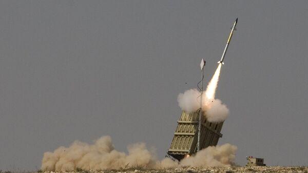 Пуск ракеты израильской системы ПРО Железный купол