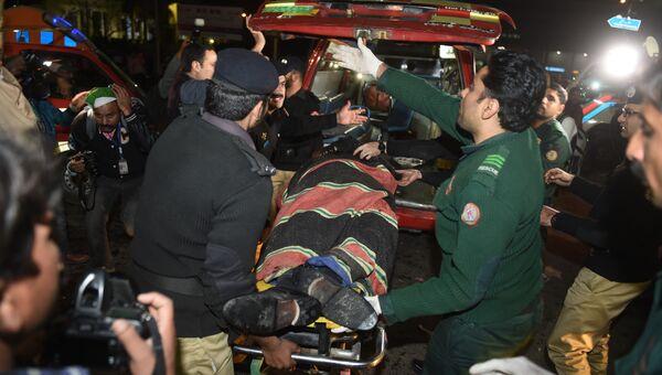 Место взрыва в пакистанском городе Лахор