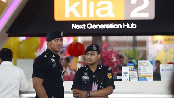 Полицейские в международном аэропорте Куала-Лумпур в Сепанге. Архивное фото