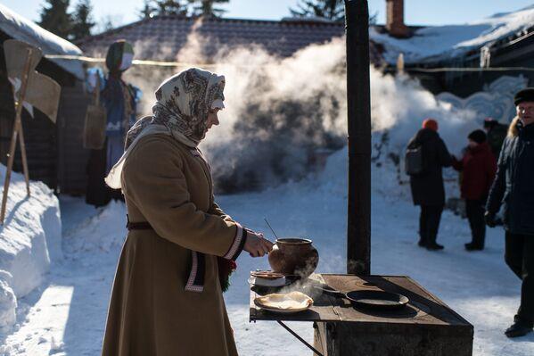 Празднование Масленицы в Омской области