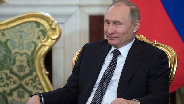 Президент РФ Владимир Путин во время встречи с президентом Турции Реджепом Тайипом Эрдоганом перед началом шестого заседания Совета сотрудничества высшего уровня между РФ и Турцией