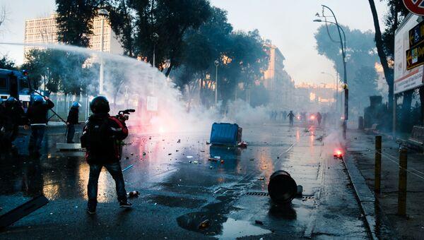 Столкновения сил правопорядка и протестующих, Неаполь. 11 марта 2017 год