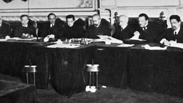 Первое заседание Временного правительства в Мариинском дворце.