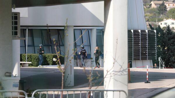 Здание лицея в южном французском городе Грас, где произошла стрельба