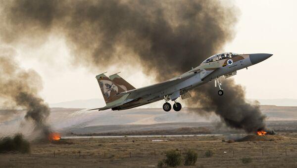 Израильский самолет-истребитель. Архивное фото