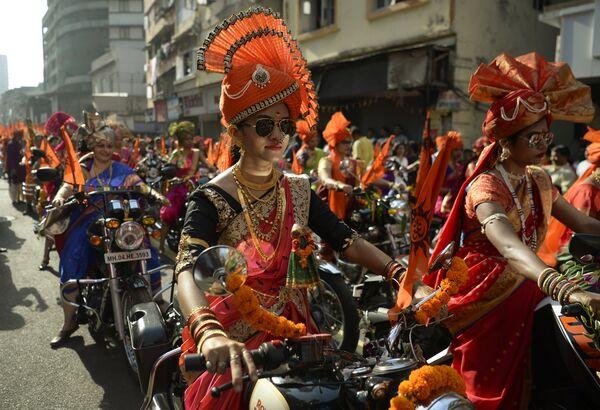 Празднование Гуди-падва в Мумбаи