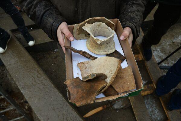 Исторические артефакты, обнаруженные археологами в ходе подготовительных работ по реконструкции центральных улиц Москвы