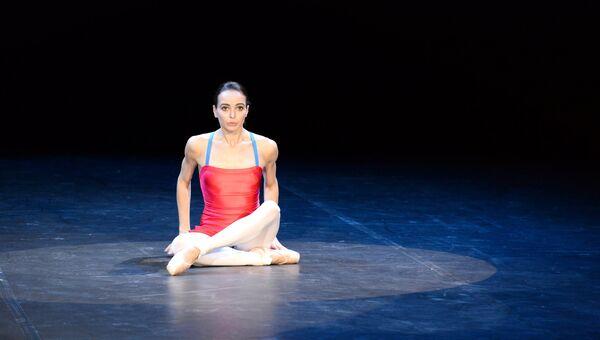 Балерина Диана Вишнева во время репетиции в рамках открытия 3-го международного фестиваля современной хореографии Context.Diana Vishneva на сцене театра имени Моссовета в Москве