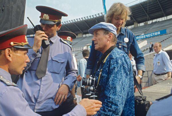 Евгений Евтушенко на международном рок-фестивале в Лужниках. 1989 год