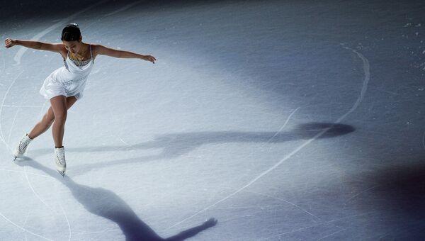 Маи Михара, занявшая 5-е место в женском одиночном катании, во время показательных выступлений чемпионата мира по фигурному катанию в Хельсинки