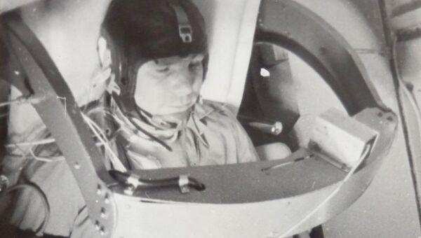 Юрий Гагарин на тренировке