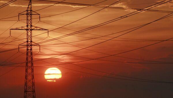 Линии электропередач в Киеве. Архивное фото