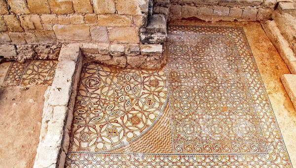 Плетеный византийский орнамент с места раскопок в Иерихоне