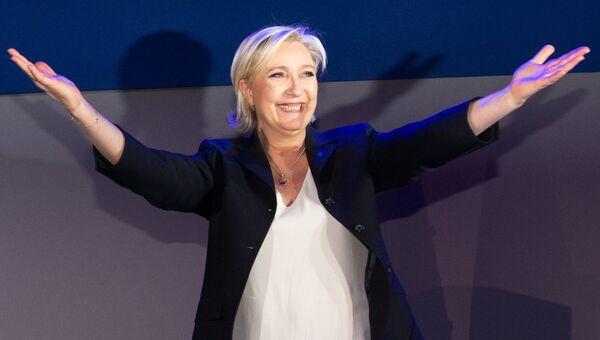 Лидер политической партии Франции Национальный фронт, кандидат в президенты Франции Марин Ле Пен. Апрель 2017