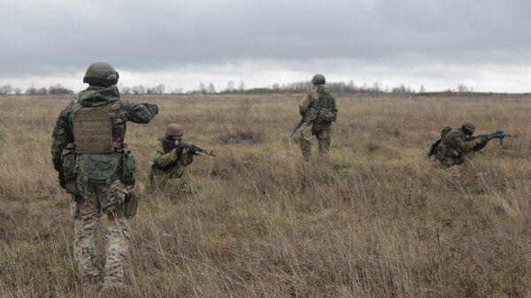 Американские военные инструкторы обучают военнослужащих ВСУ. Архивное фото