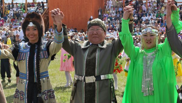 Президент Республики Саха (Якутия) Егор Борисов танцует Осуохай. Архивное фото