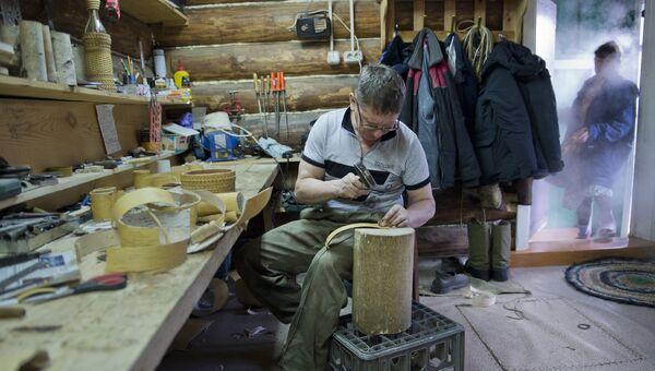 Работа в мастерской. Архивное фото