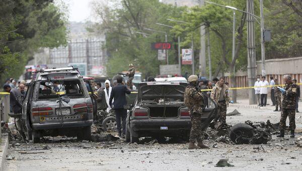На месте взрыва в районе американского посольства в Кабуле, Афганистан. 3 мая 2017