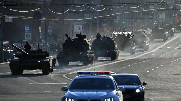 Военная техника на улицах Москвы