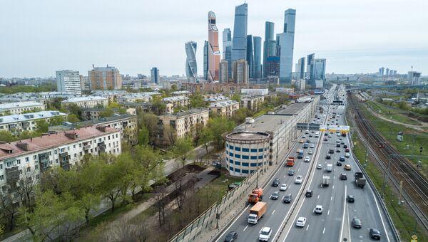 Пятиэтажные жилые дома в районе Камушки в Москве, включенные в программу реновации. Архивное фото
