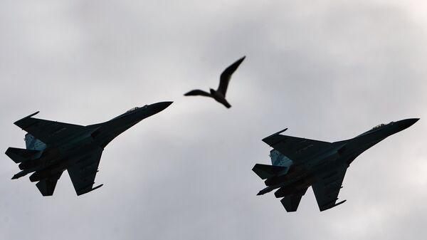 Самолеты-перехватчики Су-27. Архивное фото