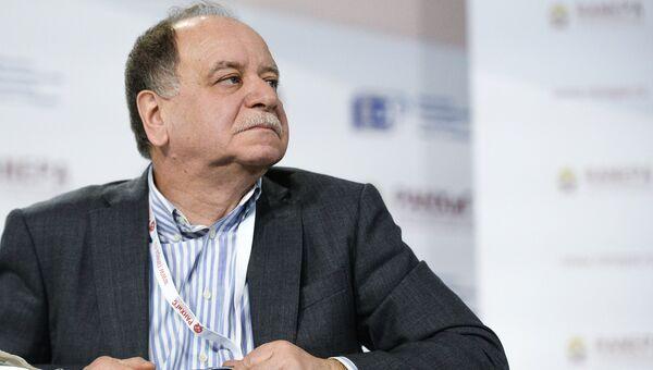 Главный редактор журнала Искусство кино Даниил Дондурей . Архивное фото