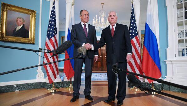 Министр иностранных дел РФ Сергей Лавров и Государственный секретарь США Рекс Тиллерсон. Архивное фото