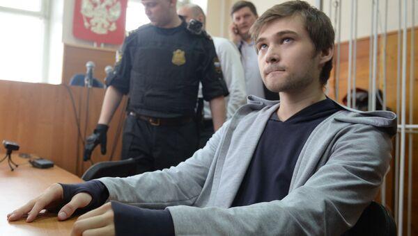 Блогер Руслан Соколовский в суде. Архивное фото