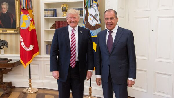 Встреча министра иностранных дел России Сергея Лаврова и президента США Дональда Трампа в Вашингтоне. Архивное фото