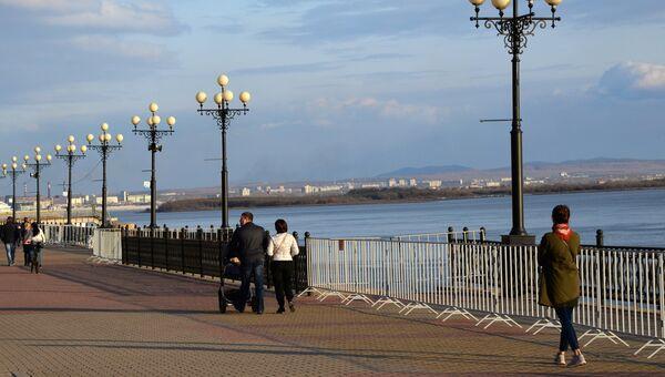 Городская набережная вдоль реки Амур в Хабаровске. Архивное фото