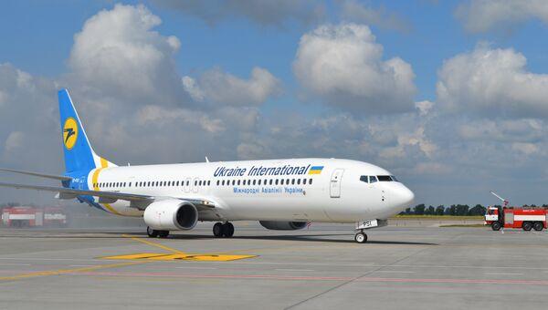 Самолет авиакомпании Международные авиалинии Украины. Архивное фото