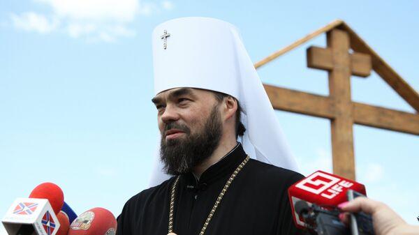 Украинские полицейские задержали митрополита УПЦ на КПП в Донбассе