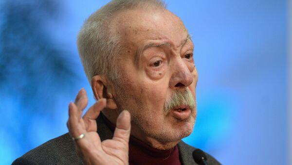 Андрей Битов на церемонии вручения премии Ясная поляна. Архивное фото