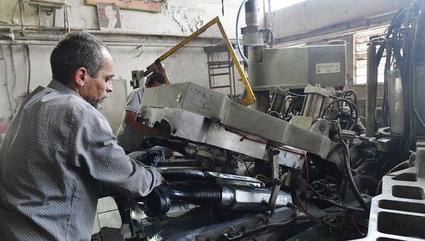 Государственный завод по изготовлению изделий из полимеров на востоке Дамаска в районе Баб аль Шарки