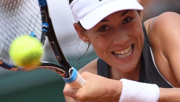 Гарбинье Мугуруса в матче женского одиночного разряда Открытого Чемпионата Франции по теннису 2017