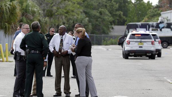 Полицейские на месте стрельбы в Орландо, США