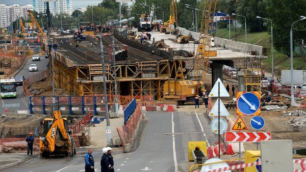 Строительство автомобильной развязки в Москве. Архивное фото