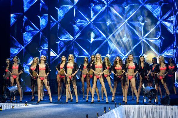 Участницы финала международного конкурса красоты Мисс СНГ-2017