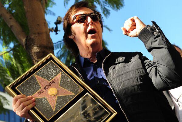 Пол Маккартни получает именную звезду на Голливудской Аллее славы. 2012 год