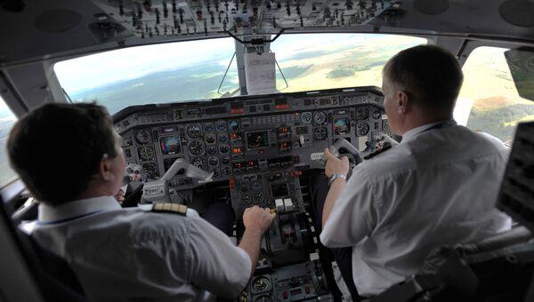 Кабина пилотов нового самолета авиакомпании РусЛайн Embraer-120