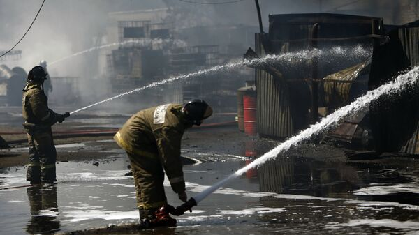 Пожарные МЧС РФ
