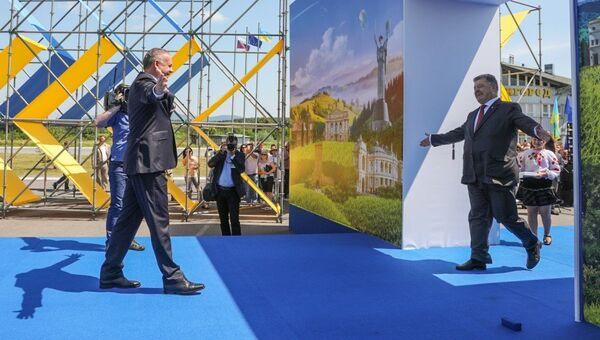 Президент Украины Петр Порошенко на церемонии по случаю начала действия безвизового режима с Евросоюзом