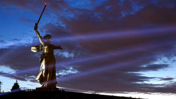 Монумент Родина-Мать на Мамаевом кургане в Волгограде. Архивное фото