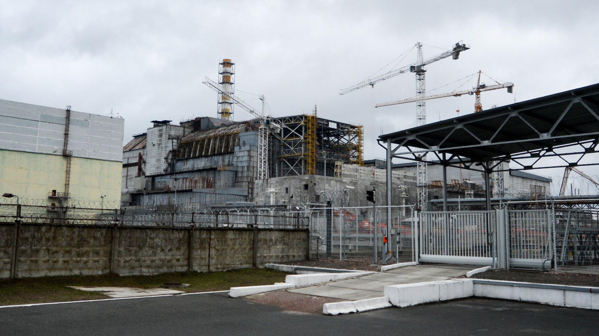Саркофаг над четвертым энергоблоком Чернобыльской АЭС - РИА Новости, 1920, 27.09.2020