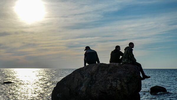 Участники экспедиции Гогланд пережидают шторм