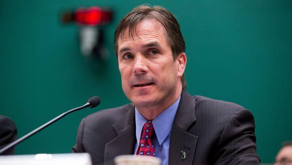Директор департамента здравоохранения и социальных служб Мичигана Ник Лион