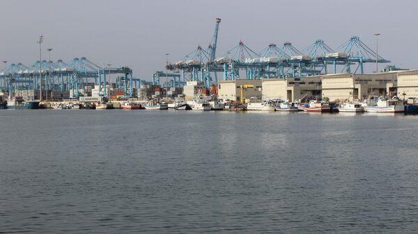 Вид на порт в Испании