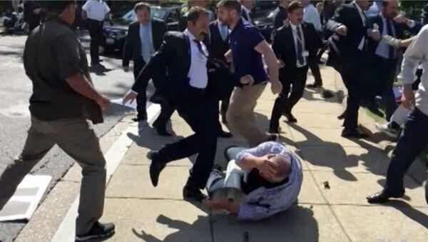 Беспорядки с участием представителей службы охраны президента Турции Тайипа Эрдогана в Вашингтоне