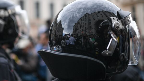 Задержание участников несанкционированной акции в Санкт-Петербурге